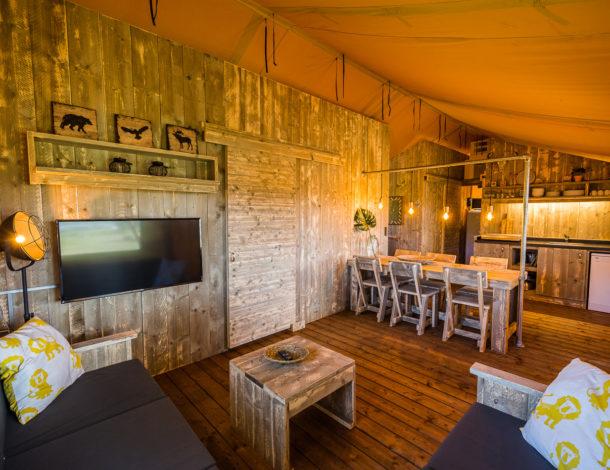 Interier Lodge kamperen